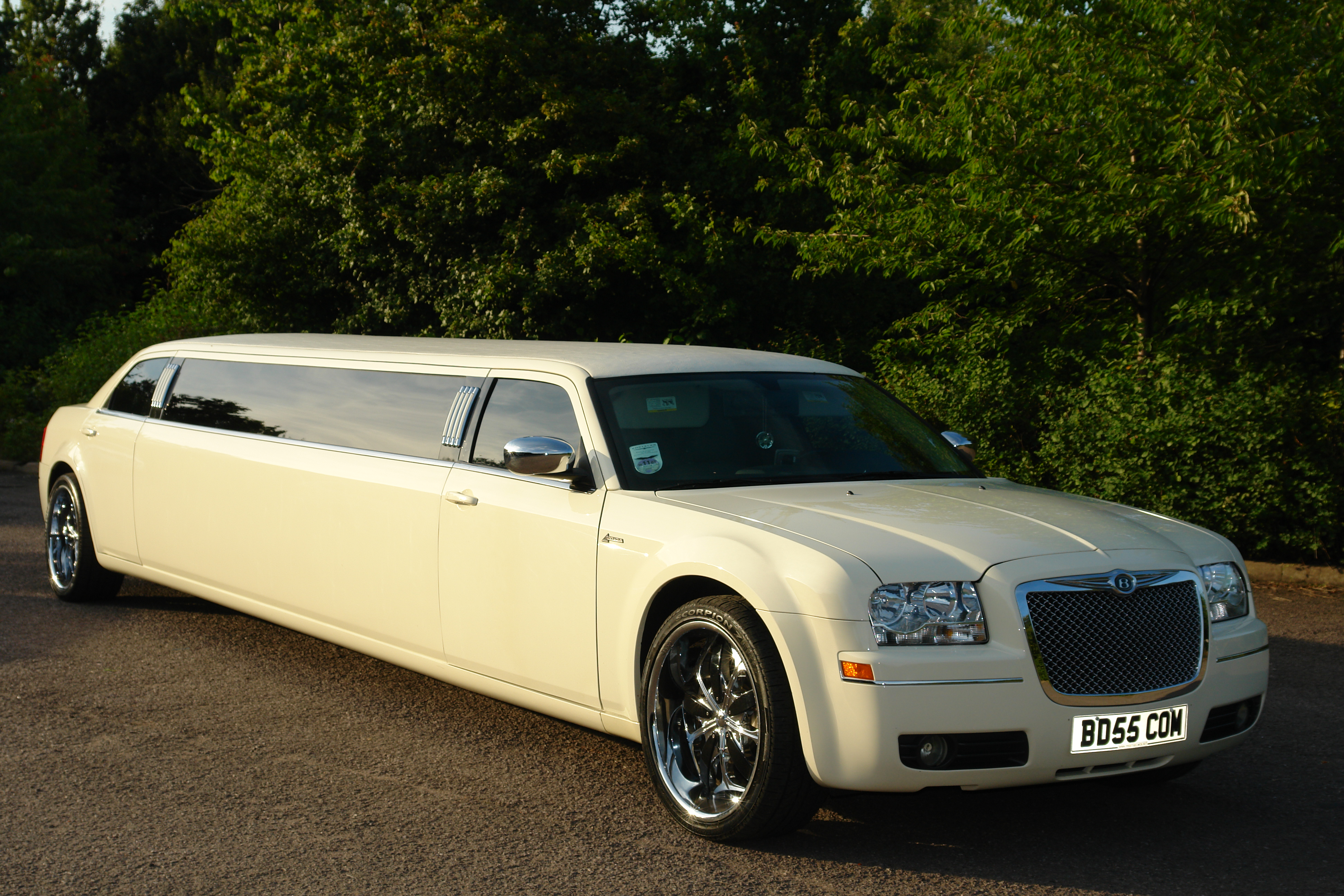 Limo: Car, Limo And Chauffeur Hire In
